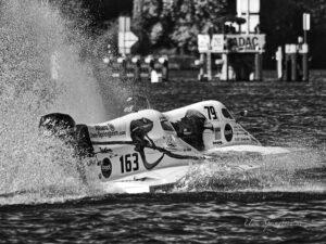F4S Rennboote beim Start